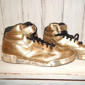 Mens Size 11 Gold and Camo Reebok Exofit Plus